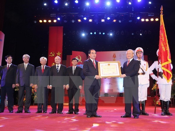 Communist Review honoured during 85th anniversary ceremony hinh anh 1