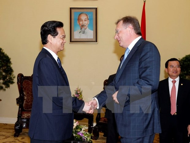 Government commits to backing oil and gas ties with Russia hinh anh 1