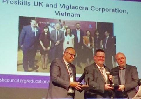 Viglacera receives British Council award hinh anh 1