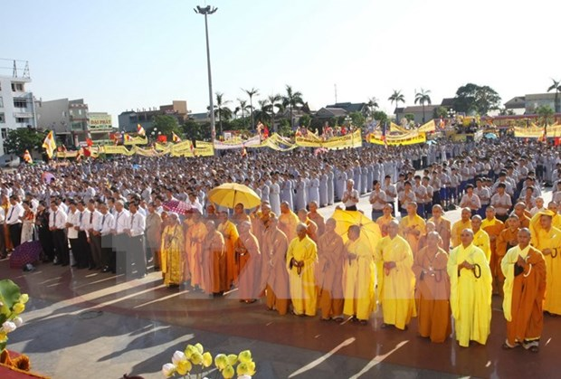 An Giang leaders congratulate Hoa Hao Buddhism founder's birthday hinh anh 1