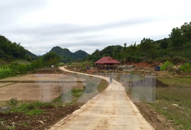Son La strives to earn more new rural area titles hinh anh 1