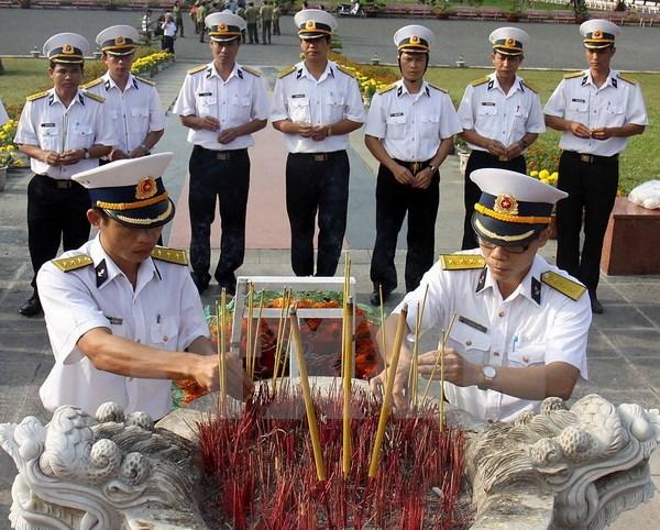 Ceremony commemorates martyrs in Con Dao hinh anh 1