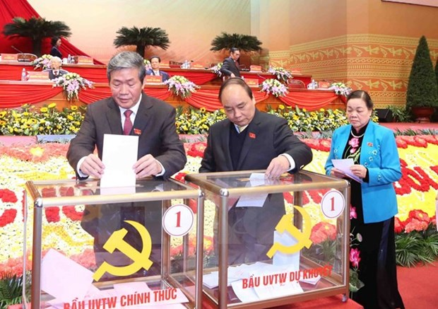 Officials, people hail Party Central Committee election hinh anh 1