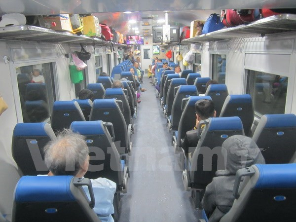 New trains launched on North-South route for Tet holiday hinh anh 1