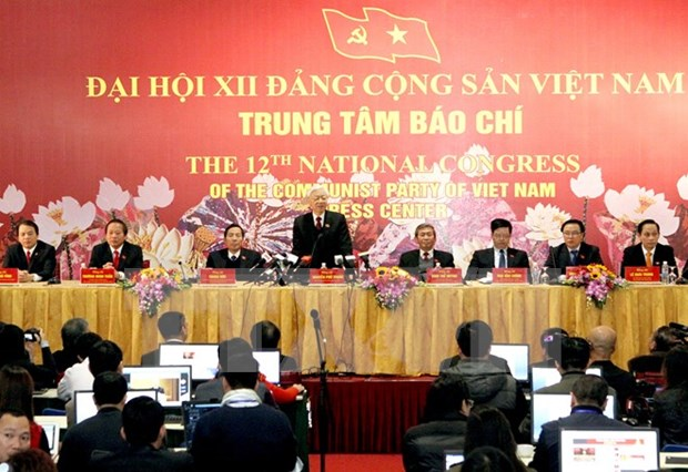 Press significantly contributes to successful Party Congress hinh anh 1