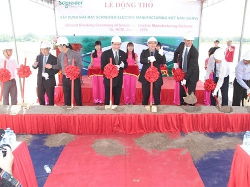 Work on Schneider Electric's new plant begins hinh anh 1