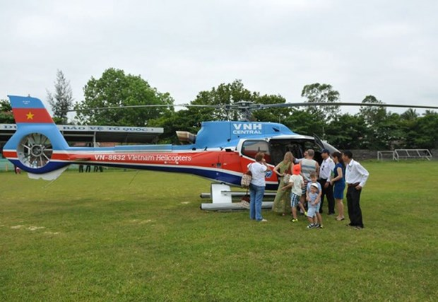 Helicopter tours open for Tet in central city hinh anh 1