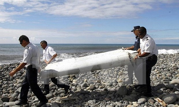 Suspected MH370 debris to be verified in Australia, France hinh anh 1