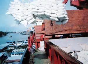 HCM City's import-export turnover enjoys climb hinh anh 1