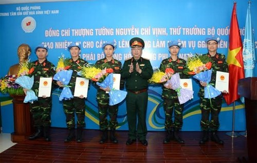 Five more Vietnamese officers to join UN peacekeeping operations hinh anh 1
