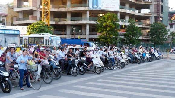 PM urges traffic safety throughout coming holidays hinh anh 1