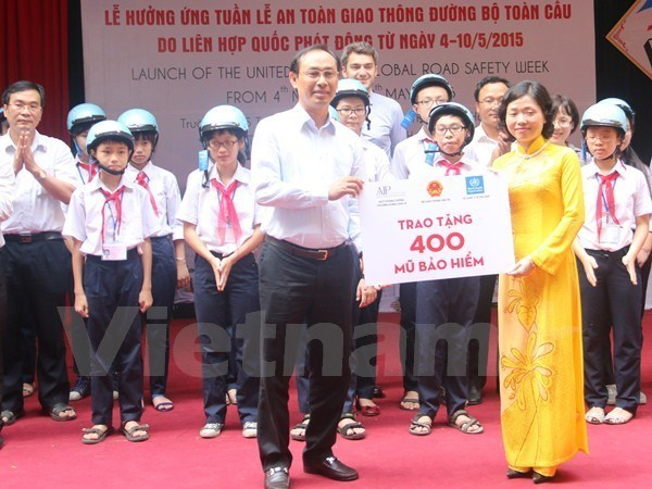 Campaign features manga character to raise children's road sense hinh anh 1