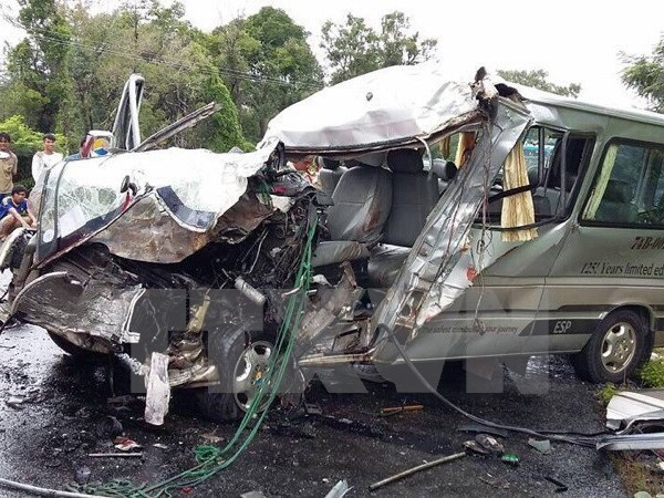 Traffic accidents fall by 12.6 pct in first 4 months hinh anh 1