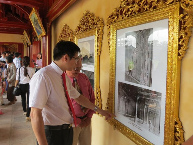 Photo exhibition on Nguyen dynasty held in Hue hinh anh 1