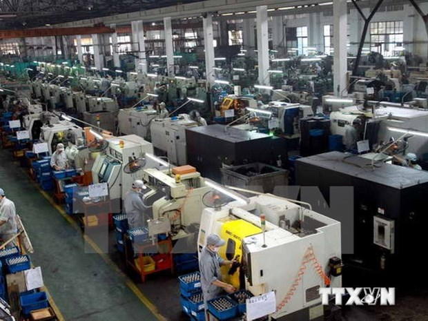 Industrial production index rises 7.3 percent in first four months hinh anh 1