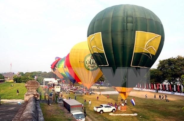 2016 Hue Festival: Int'l hot air balloon fiesta kicks off hinh anh 1