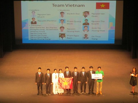 All Vietnamese contestants bag prizes at Asian Physics Olympiad hinh anh 1
