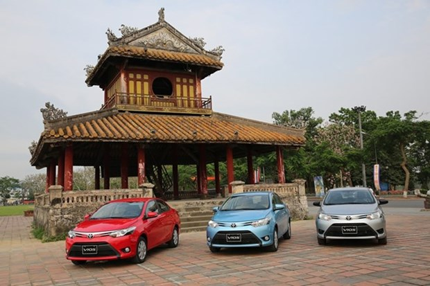 Toyota Vietnam sees upswing in April sales hinh anh 1