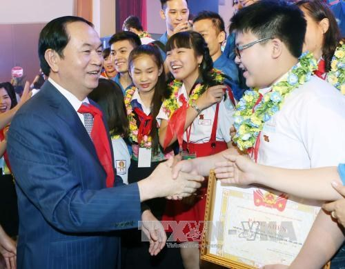 Creating favourable environment for children to grow: President hinh anh 1