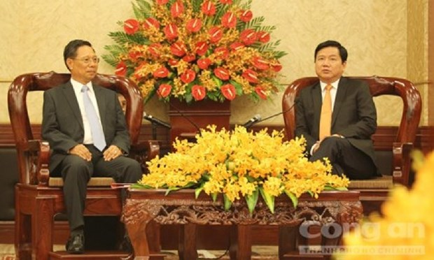 HCM City boosts ties with Lao locality hinh anh 1