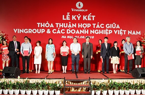 Vingroup agrees to support nearly 250 local firms hinh anh 1