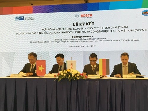 Bosch-Lilama deal signed to offer mechatronics training hinh anh 1