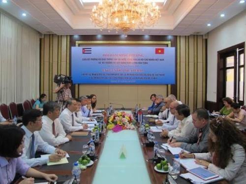 Vietnam, Cuba ministries enhance transport cooperation hinh anh 1