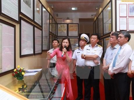 Hoang Sa, Truong Sa documents on show in Hai Phong hinh anh 1