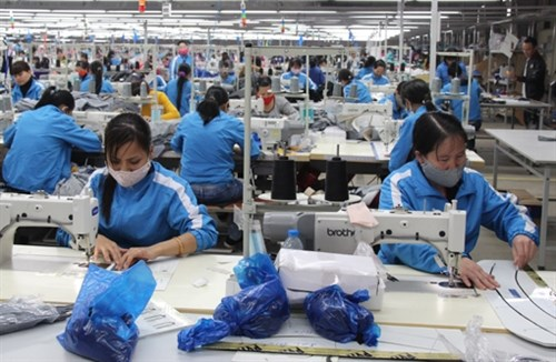 Vietnam's textile exports inch up 6.1 percent hinh anh 1