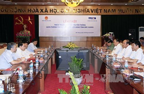 VNA, Bac Giang shake hands in communication work hinh anh 1