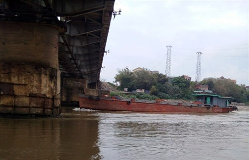 Nearly 200 railway bridges at high risk hinh anh 1