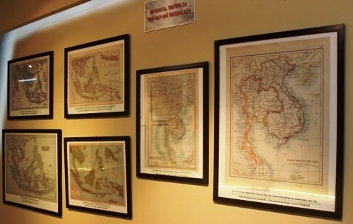 Documents on Hoang Sa, Truong Sa exhibited in Tra Vinh hinh anh 1