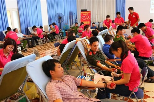 Kien Giang joins nationwide blood donation campaign hinh anh 1