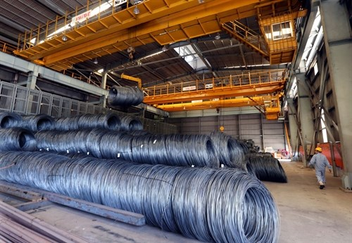Manufacturers worry about steel price hikes hinh anh 1