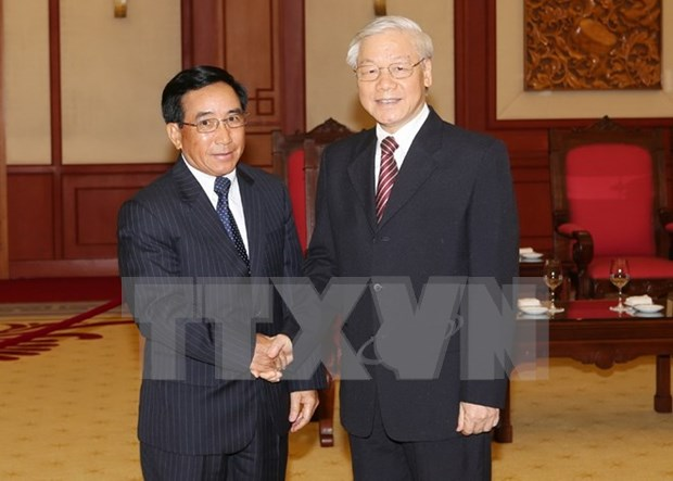 Party chief receives Lao Vice President hinh anh 1