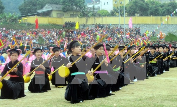 Artist preserves traditional ancestral tunes hinh anh 1