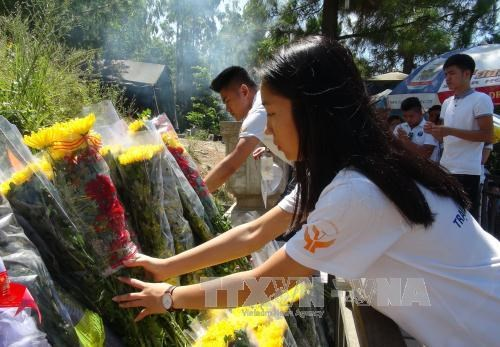 Young Vietnamese expats pay tribute to General Vo Nguyen Giap hinh anh 1