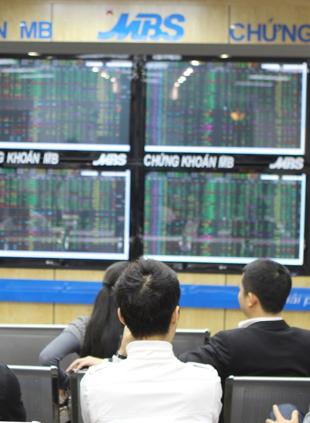Vietnam's stocks end with mixed results hinh anh 1