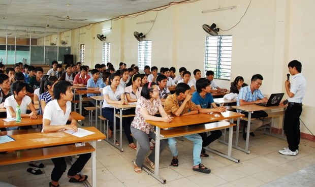 French NGO helps poor IT students develop career hinh anh 1