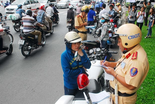 Stiffer traffic fines to be enforced hinh anh 1