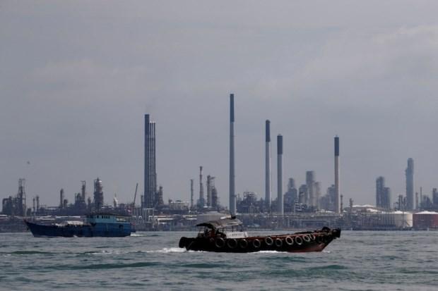 Singapore lowers 2016 GDP forecast hinh anh 1