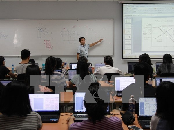 English to besecond university language in Vietnam hinh anh 1