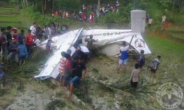 Training aircraft crashes in west Indonesia, no fatalities reported hinh anh 1