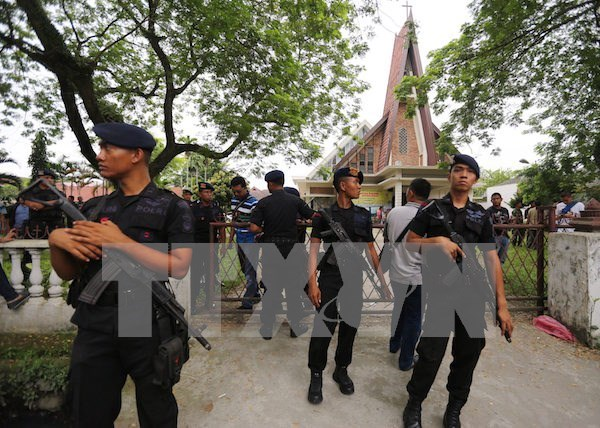 Suicide bombing injures four people in Indonesia hinh anh 1