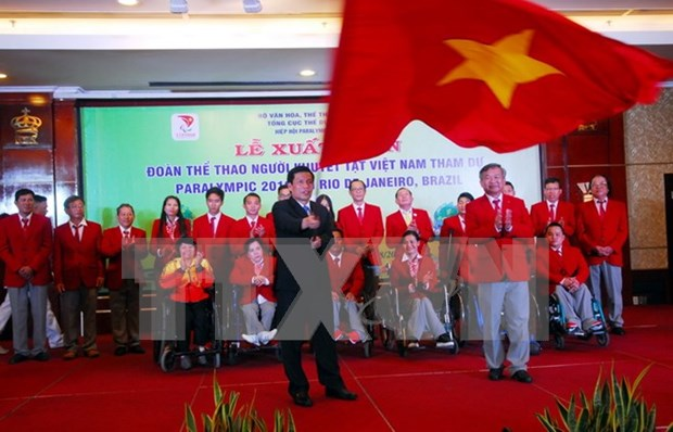 Vietnam's athletes with disabilities depart for Rio Paralympics hinh anh 1
