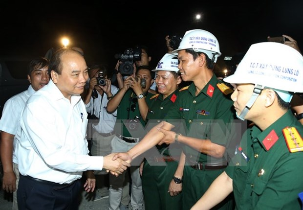 Prime Minister visits construction site of Ca Pass Tunnel hinh anh 1