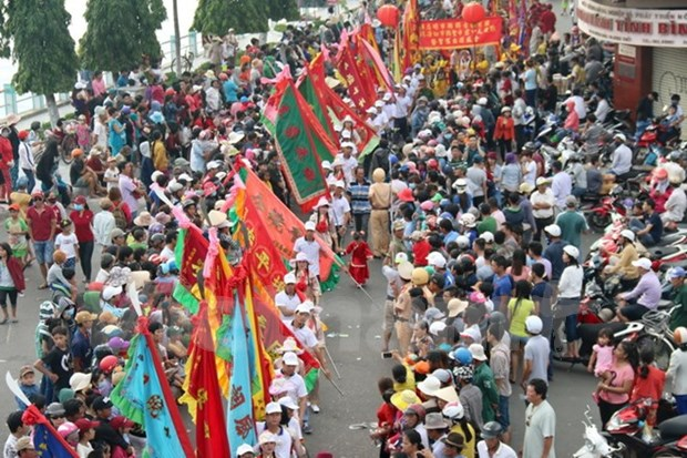 Nghinh Ong festival attracts crowd in Binh Thuan hinh anh 1