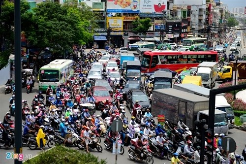 HCM City eyes flyover to ease traffic hinh anh 1
