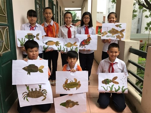 Secondary students display art in Hanoi, London hinh anh 1