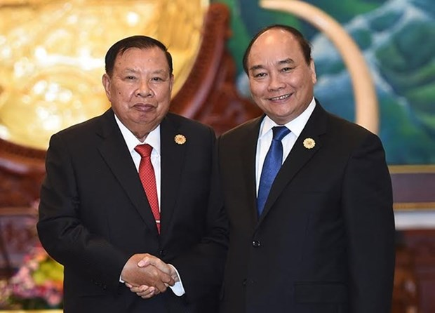 Vietnam gives top priority to relationship with Laos: PM hinh anh 1